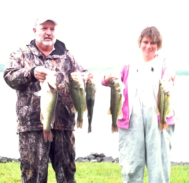 Wayne and Cindy Crickenberger Second Place and Big Fish  13.94 lbs and 5.20 lbs