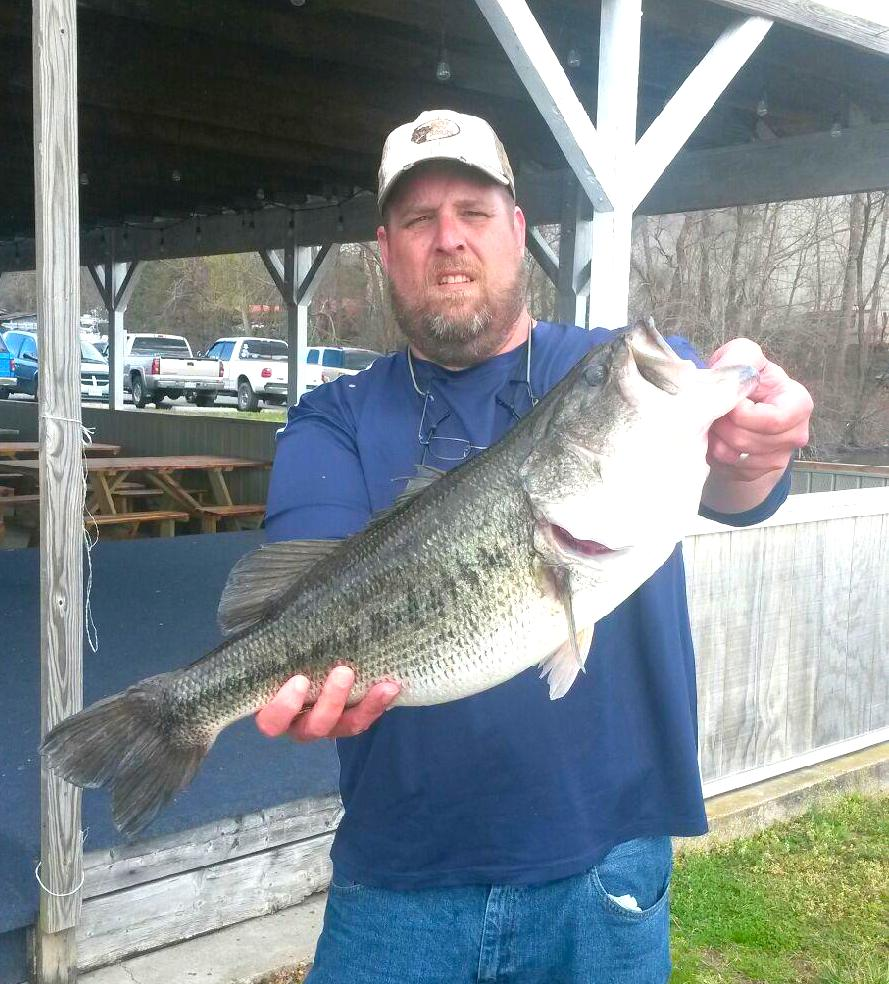 Barry Shrum First Place and Big Fish 7.71 lbs