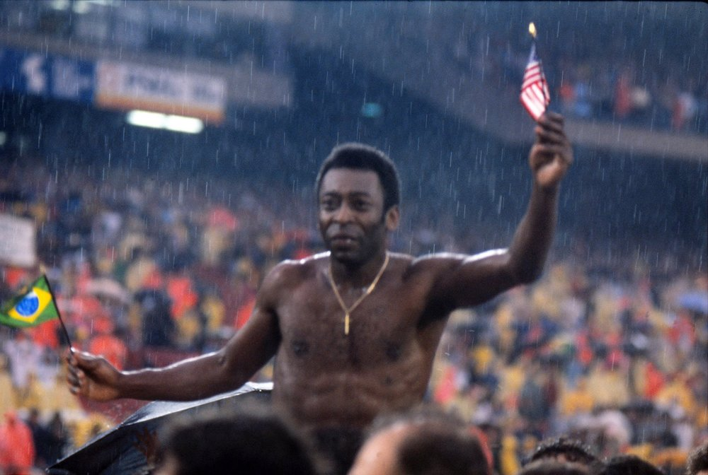pele_cosmos_chaired_off_197.jpg