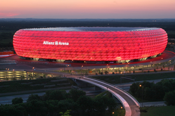 allianz arena - red lightning - bayern munich colours.jpg