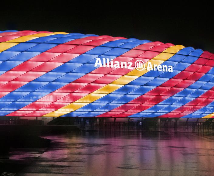 allianz arena - barcelona colours-001.jpg