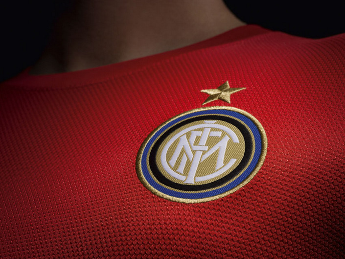 fa12_authentic_inter_a_crest_sm_11728.jpg
