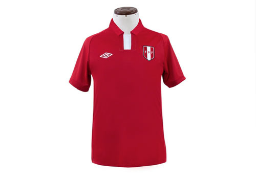 peru-away-shirt-2012.jpg