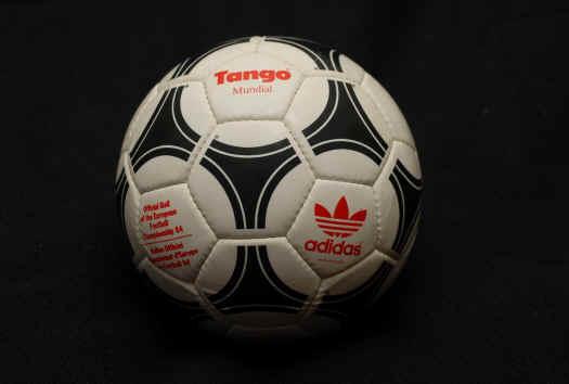 adidas_tango_Mundial.JPG