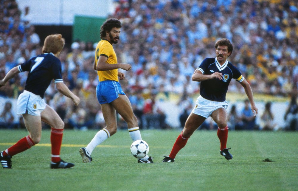 Socrates_Souness_WC_1982.jpg
