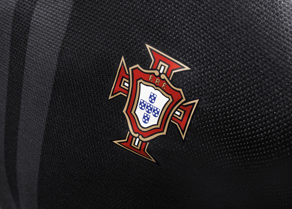 Nike_Football_Portugal_Away_Jersey_(3)_original.jpg