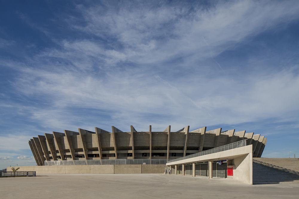 51ac761db3fc4b3b0e0000d9_mineir-o-stadium-bcmf-arquitetos_007_39608pr130214-002d.jpg