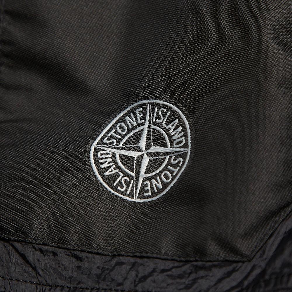24-06-2013_stoneisland_garmentdyeddownjacket_black7.jpg