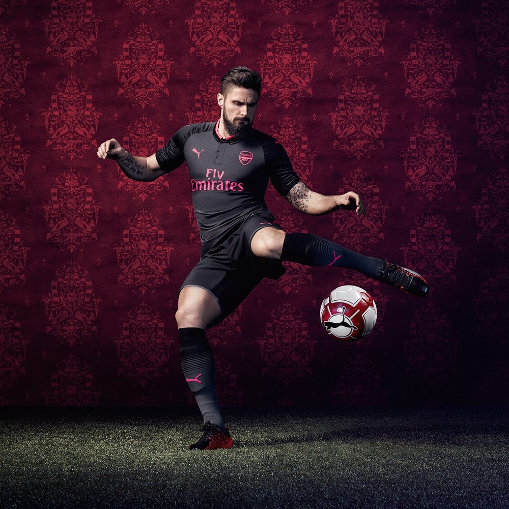 17AW_TS_AFC_xAction-Third_Giroud.jpg