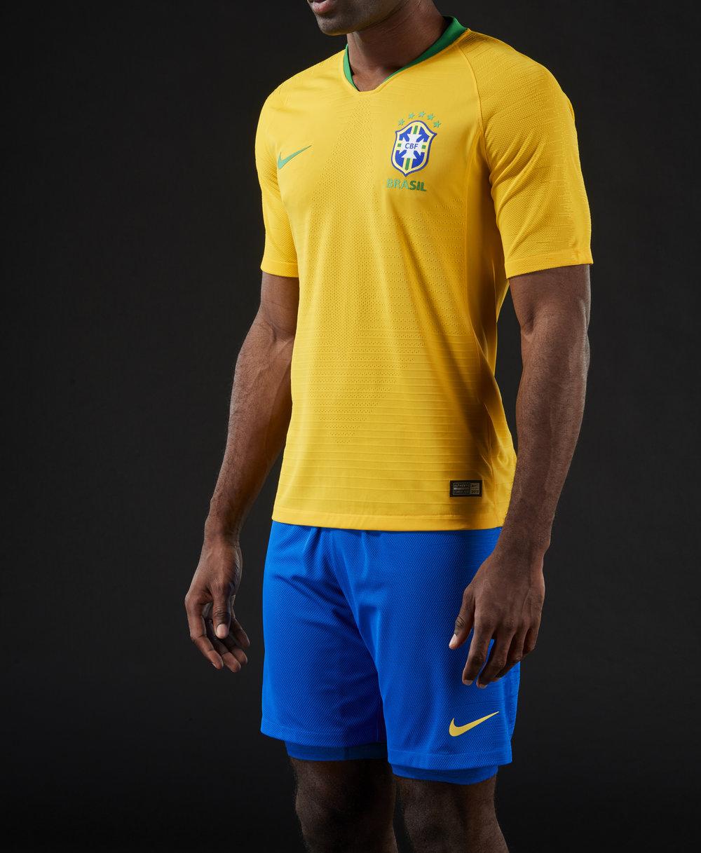 brasil-2018-home-jersey-04_78183.jpg