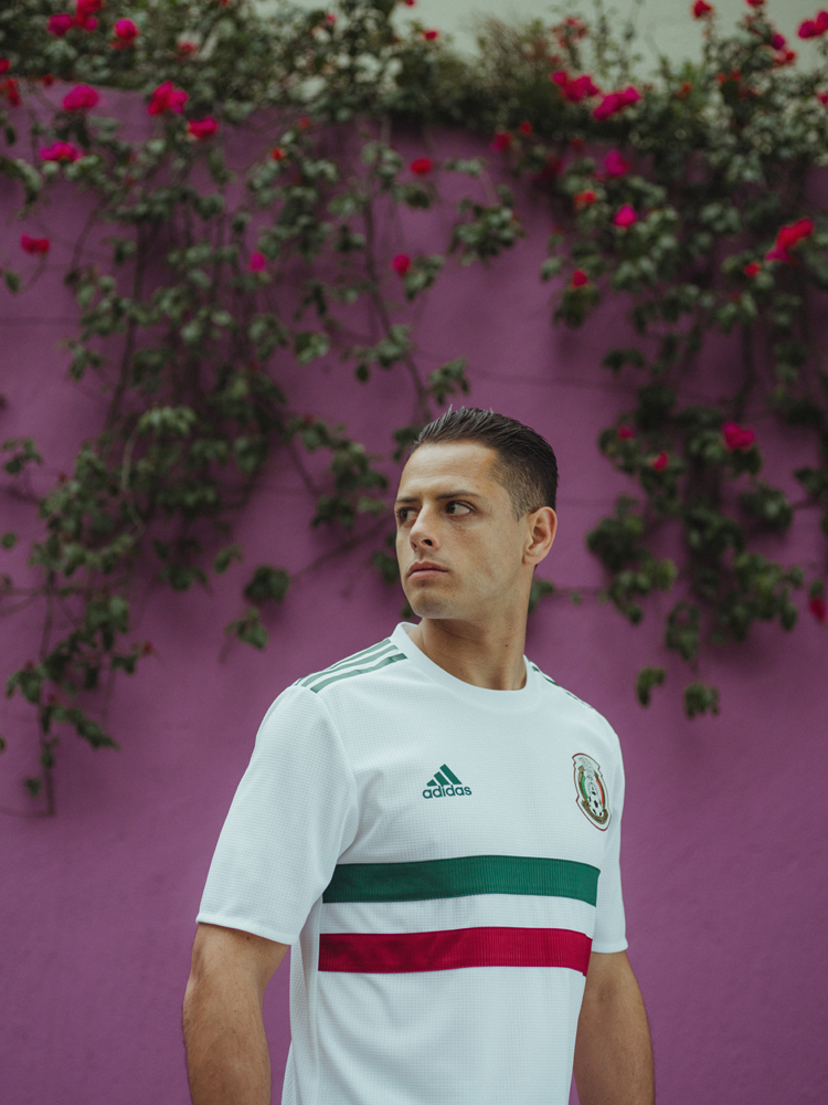 soccerbible-mexico-hires-5321.jpg