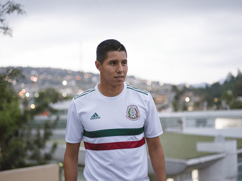soccerbible-mexico-hires-5777.jpg