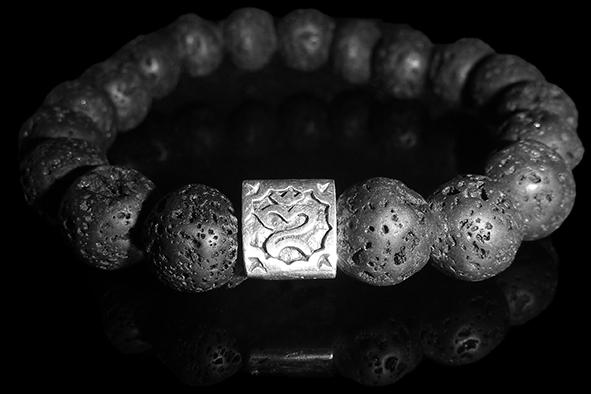 Bracelet_Lava_OM_front_B5.png