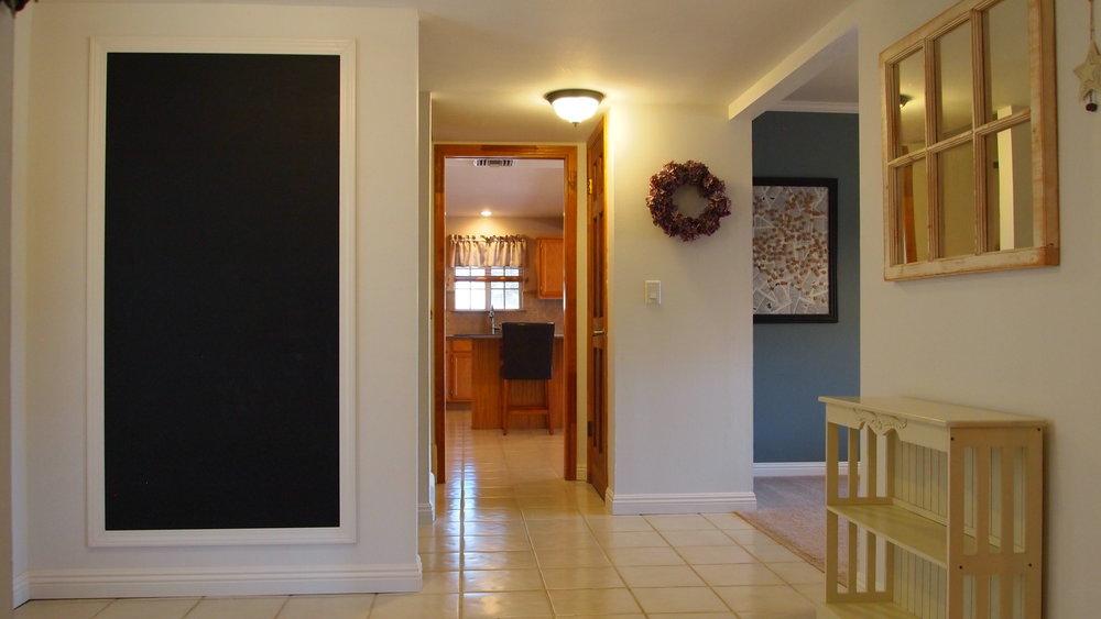 3115 Paradise Entry to Kitchen.JPG