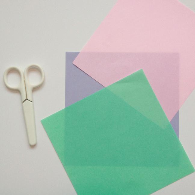 折り紙で雪の結晶を作って ...