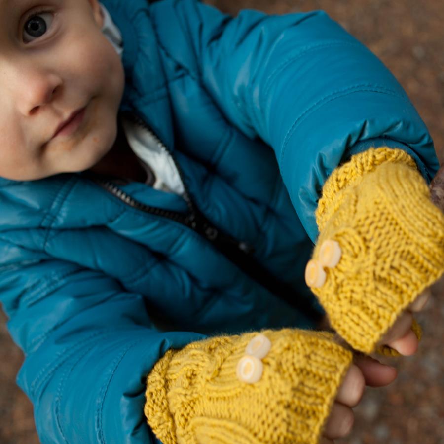 knitted-owl-gloves-1.jpg