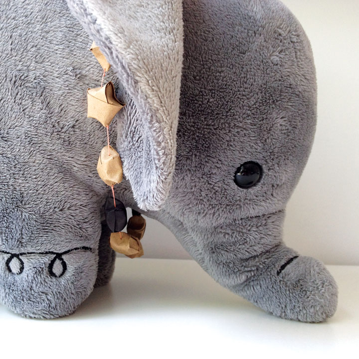 lucky-star-necklace-elephant-3.jpg