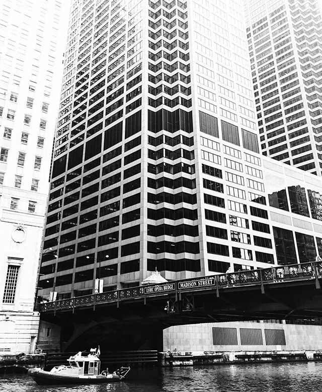 @snappshots challenged me to post some black and white 😉 #chitown #igkansascity_travel #tbt