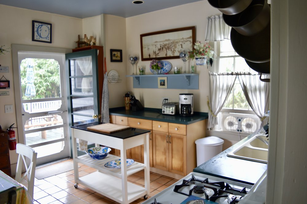 cape-may-vacation-rental-kitchen-photo2.jpg