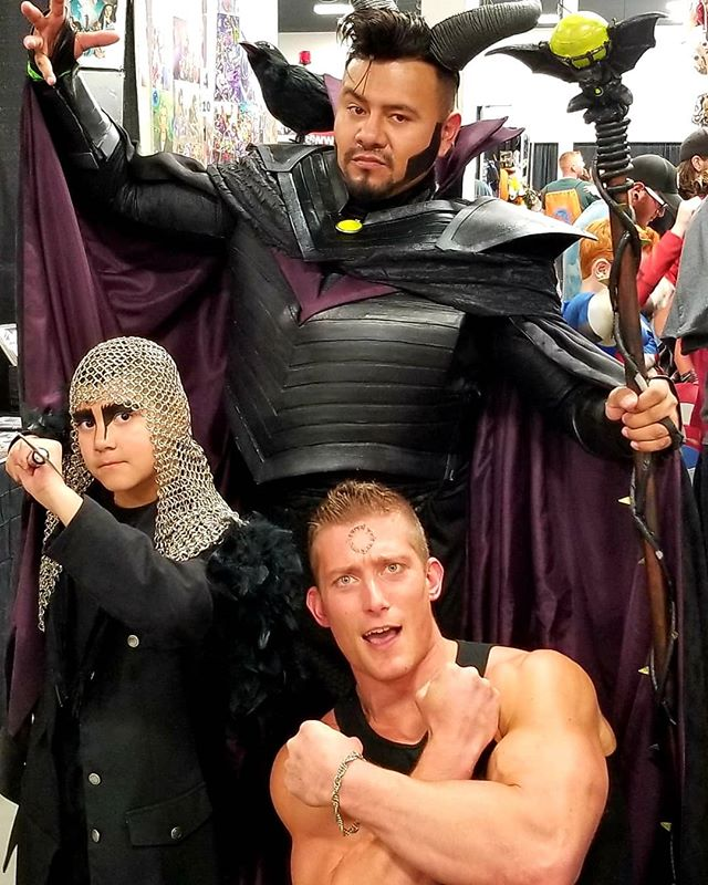 Had an awesome time at #ColoradoSpringsComicCon at our @apotheosisstudios booth with #RuneOfTheApprentice ! So stoked to have copies of @thelastamazon For @comicconparis in October! . #comiccon #cosplay #books #indiedev #ComicConParis #cosplayers #flex #bodybuilding #fitness #cosplaying #marvel