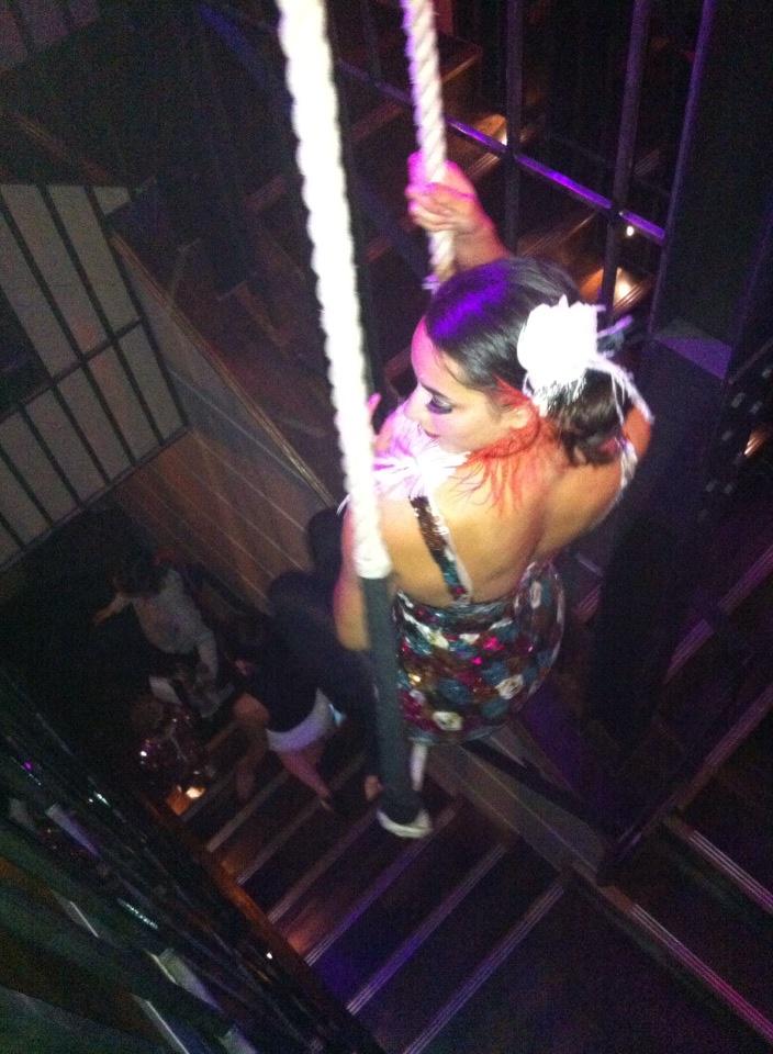 Leyla trapeze