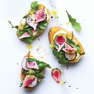 radish-arugula-crostini-brie-.jpg