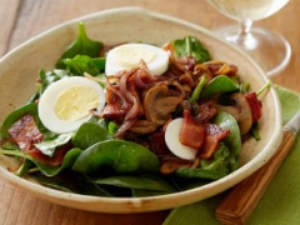 WU0210H_perfect-spinach-salad_s4x3.jpg.rend.sni12col.landscape.jpeg