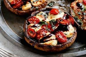 caprese-stuffed-garlic-butter-portobello-201701150120358070355924lh.jpg