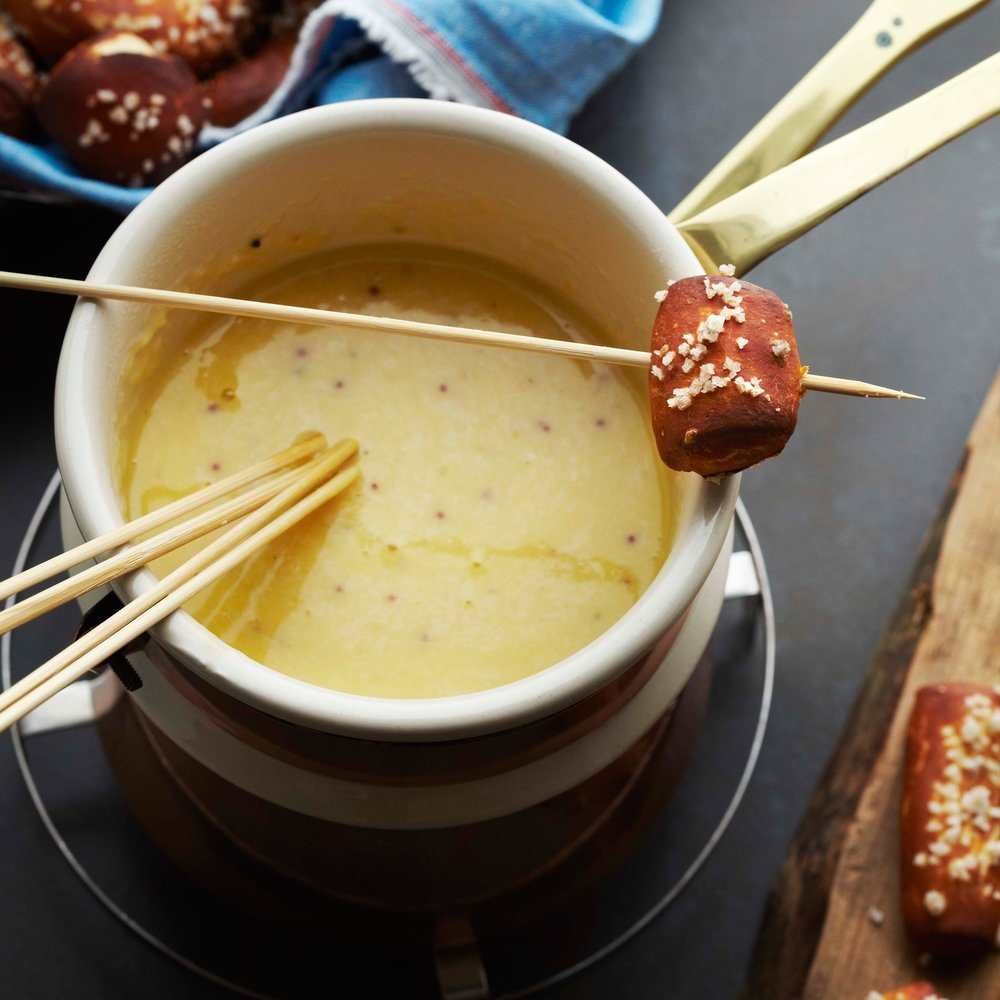51194210_beer-cheese-fondue_1x1.jpg