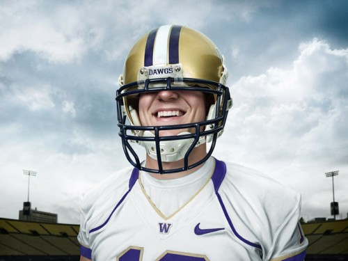 Jake_Locker_Big_Helmet_John_Keatley700-500x375
