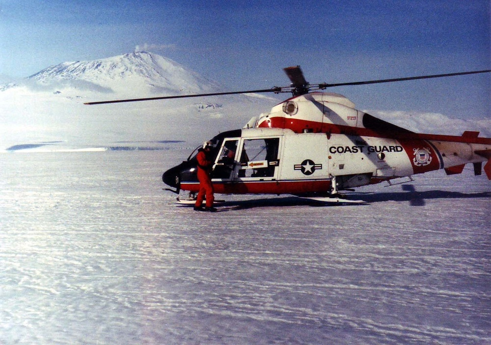 Siebrands in Antarctica on the annual sea ice in front of Mt. Elbrus
