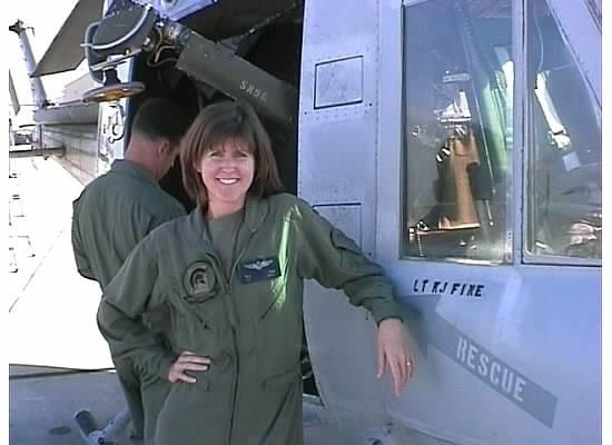Karen Brasch, Navy pilot