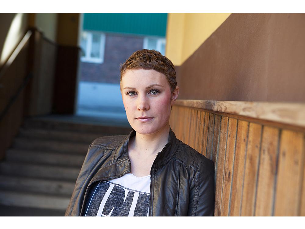 Amelia, Emma Hellberg