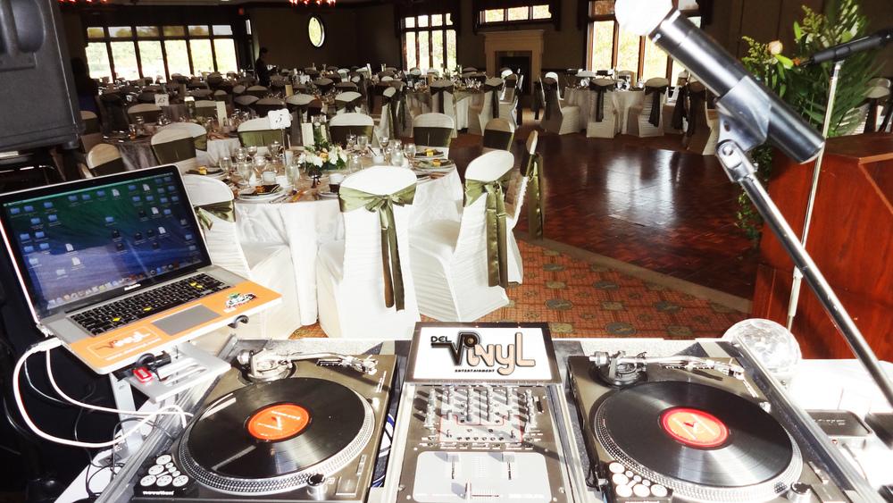 Del vinyl Wedding Dj Setup 3 toronto.jpg