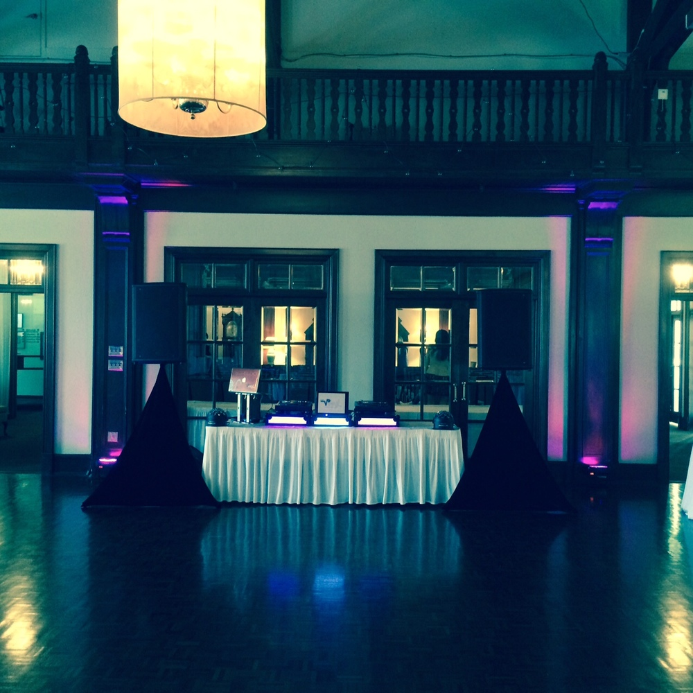 Dj set up toronto wedding @ the boulevard club.jpg