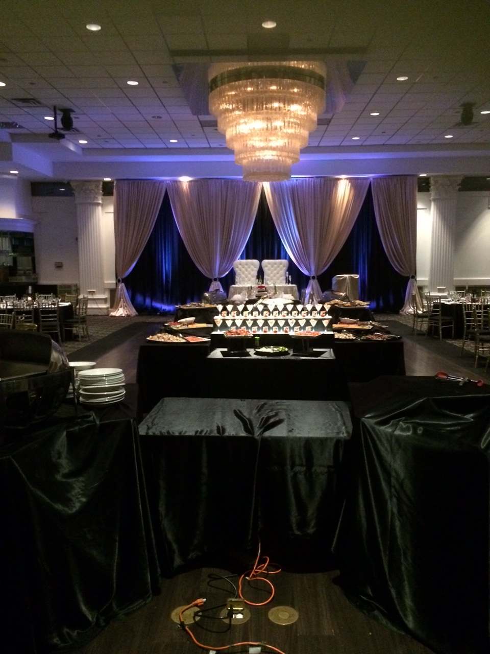 Head Table uplights Reception Wedding Dj Del Vinyl.JPG