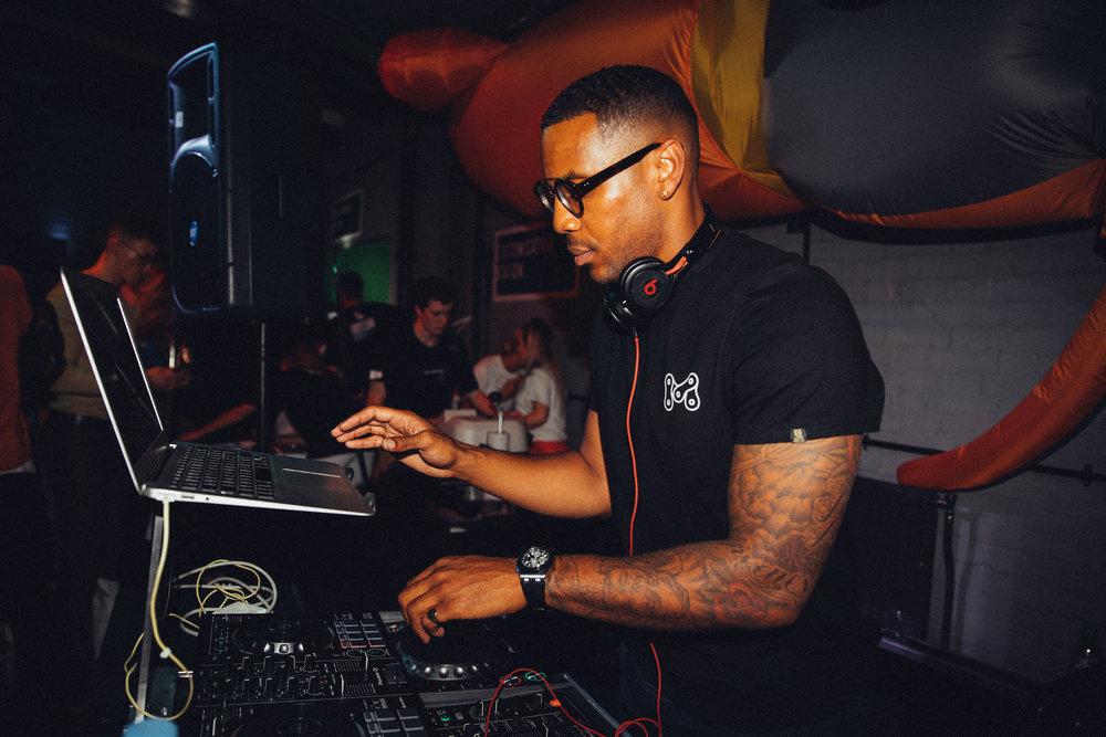 HH DJ (Reggie yates).jpg