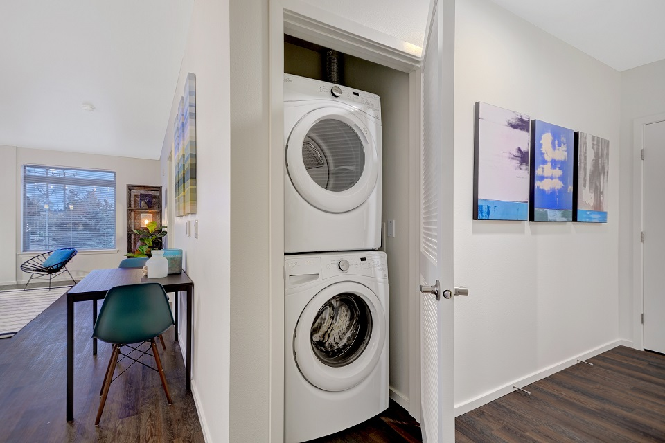 B11 Laundry & Hallway.jpg