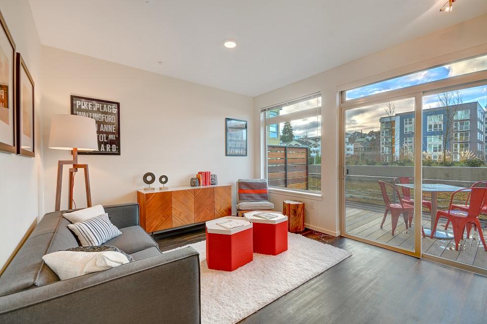 O4 Living Room.jpg
