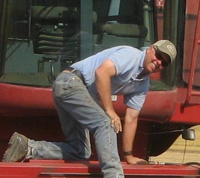 wayne-red-tractor-360.jpg