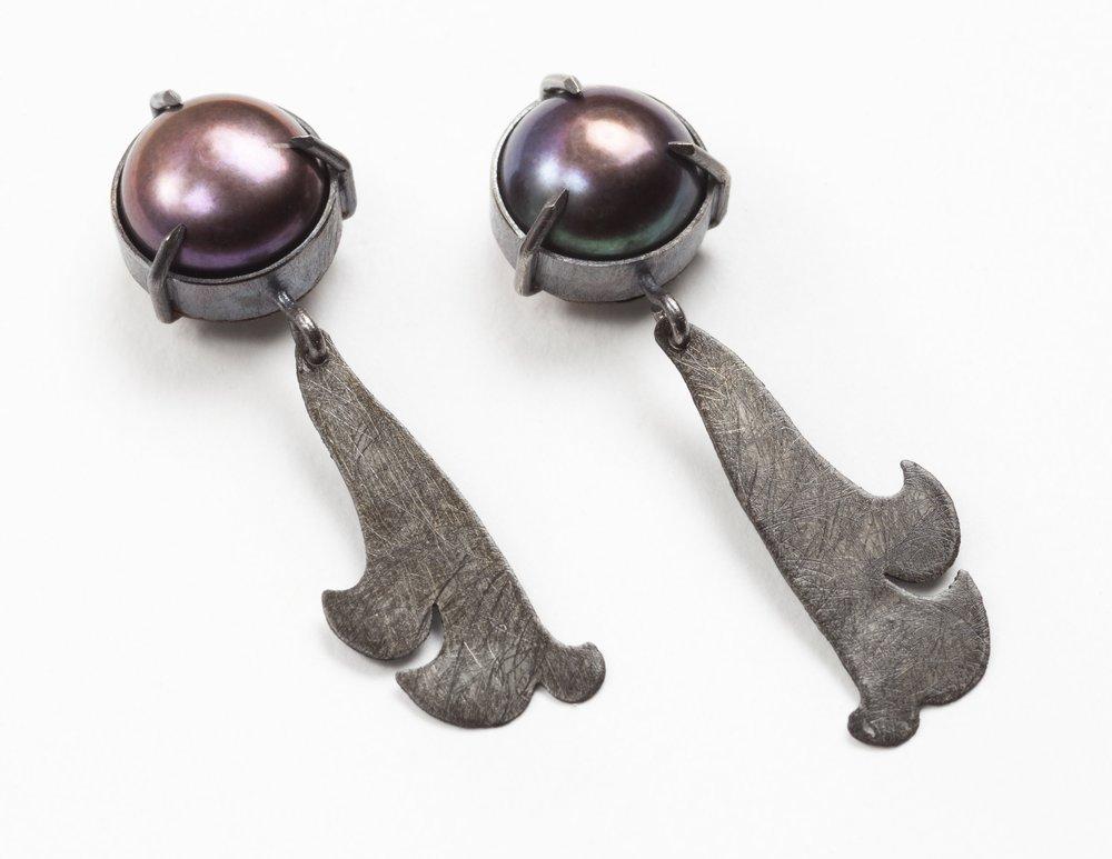 Pearl Florentine Earrings II, 2017