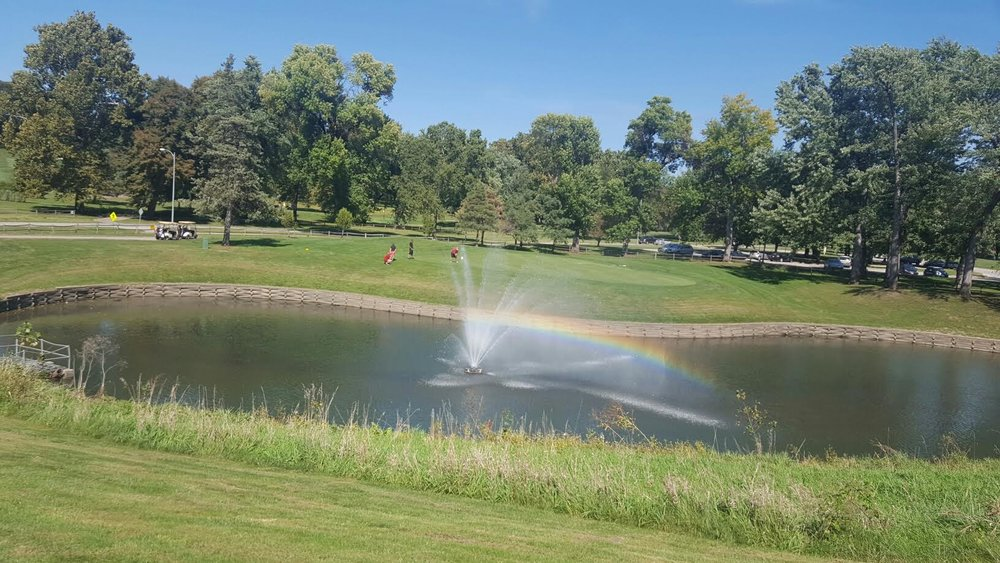 rainbow in fountain.jpg