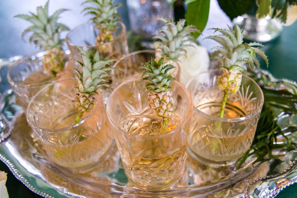 wedidng cocktail pineapple garnish