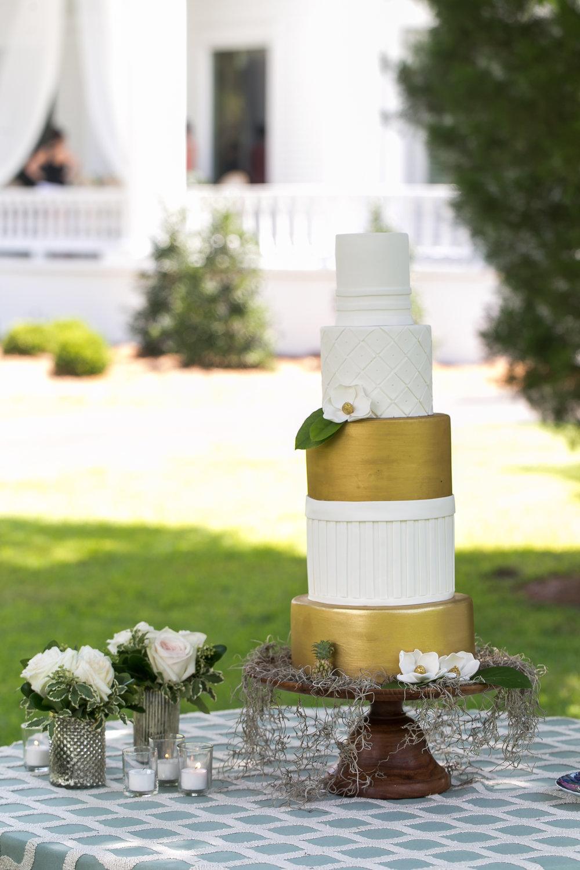 wedding cake gold and white