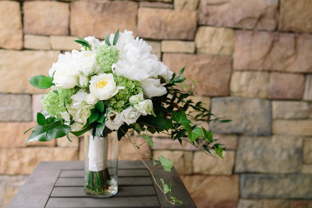 wedding planner bridal bouquet