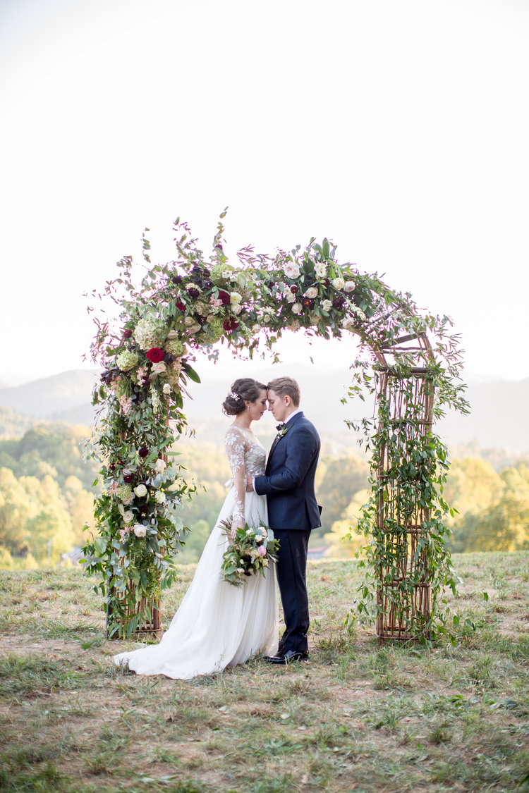 Samantha & Josh\'s Majestic Blue Ridge Mountain Wedding | Asheville ...
