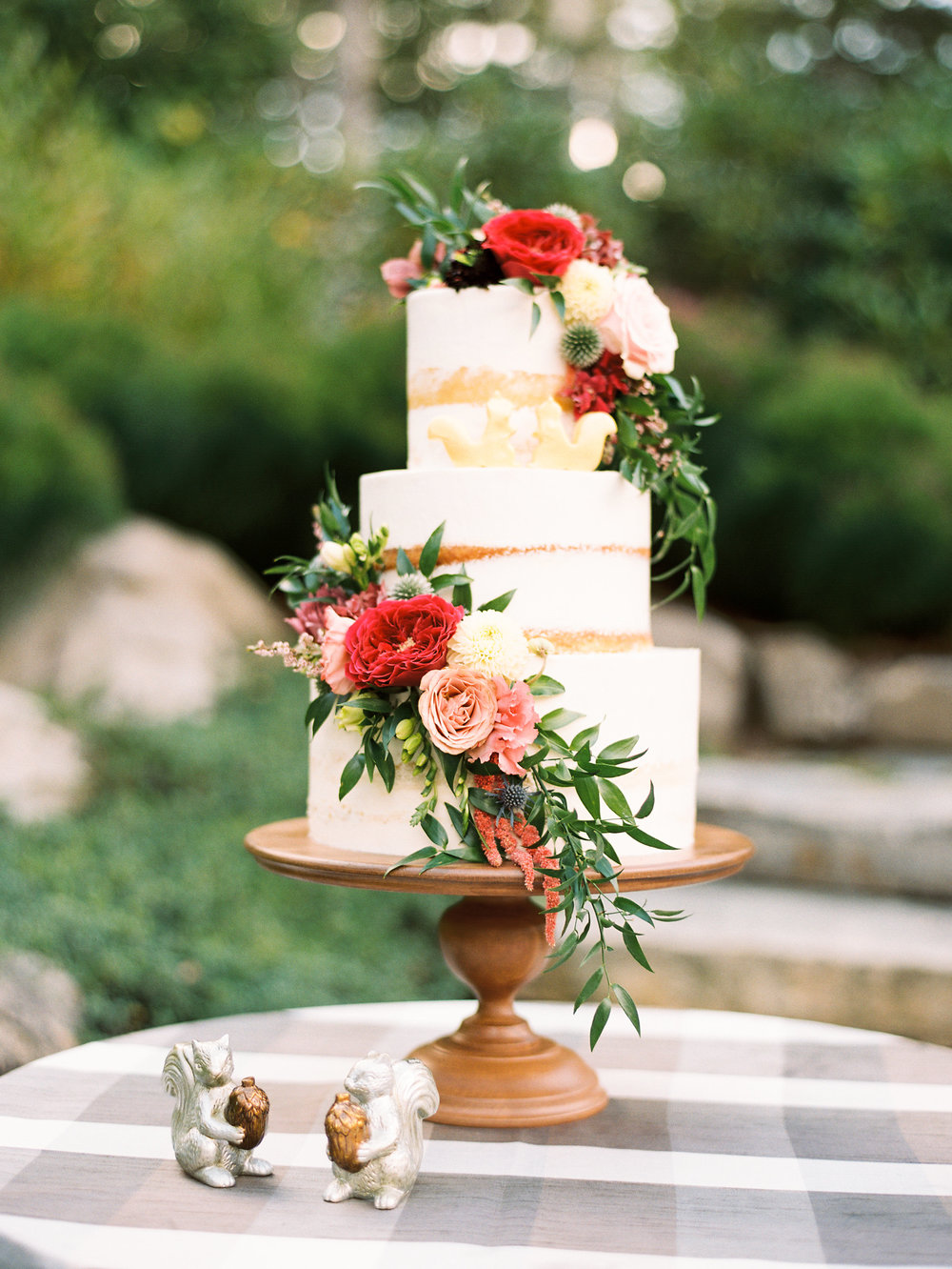 NC Mountain Home Wedding Cake Detail Florals