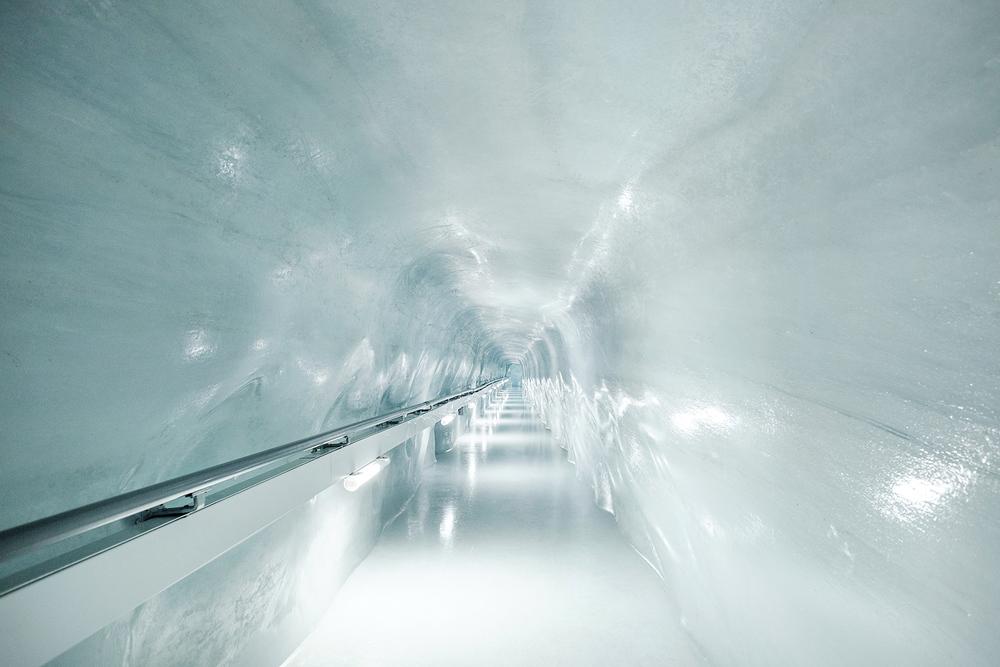 Samuel-Zeller-Jungfraujoch-sphinx-observatory-06.jpg
