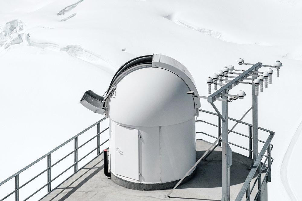 Samuel-Zeller-Jungfraujoch-sphinx-observatory-05b.jpg