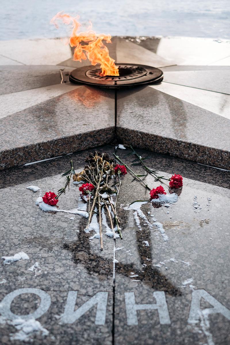 Detail of the memorial Voinam-Sibiryakam in Omsk, Russia.